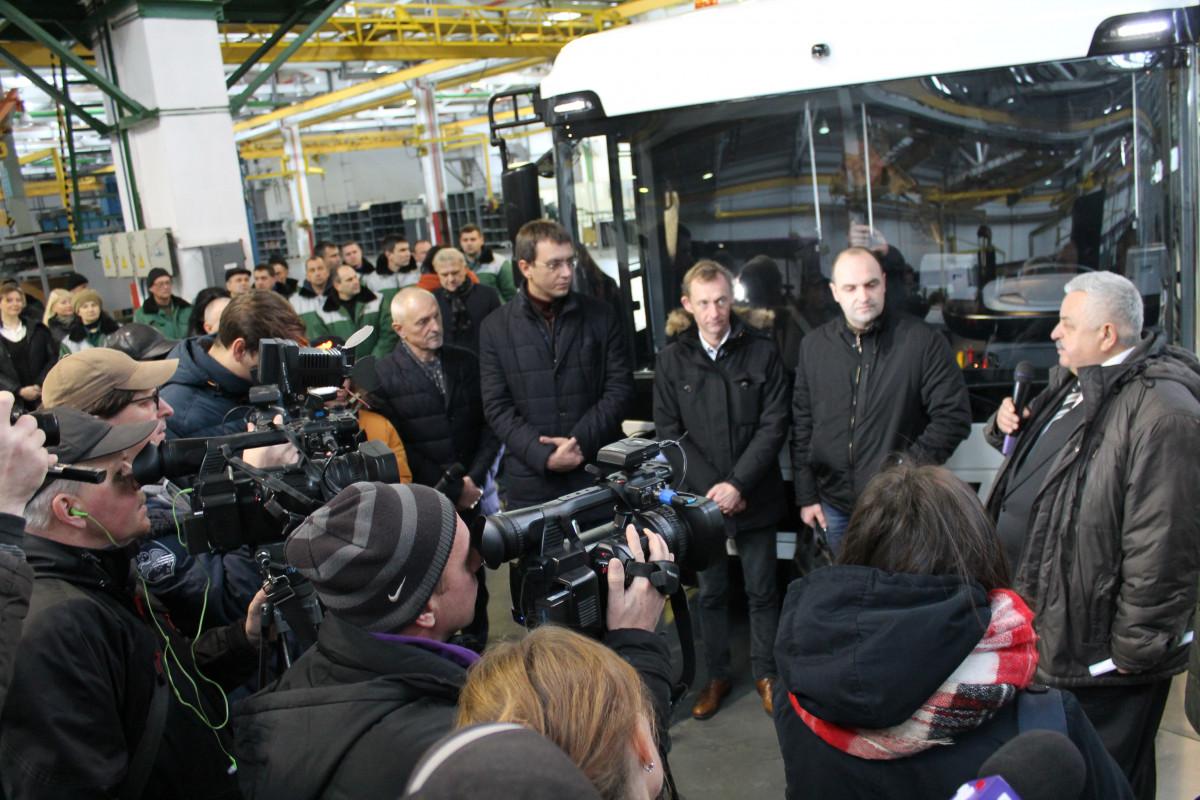 У Луцьку презентували першу українську електровантажівку для данської компанії. ФОТО. ВІДЕО
