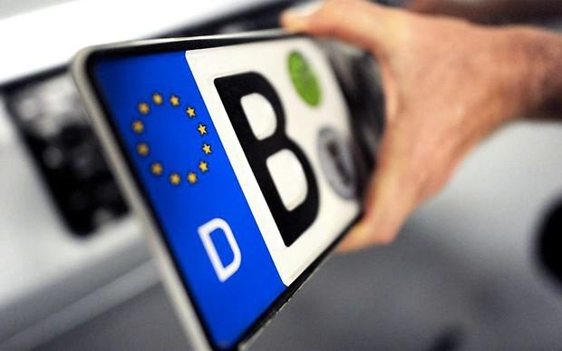 Новий закон про розмитнення машин повертає акциз на електромобілі