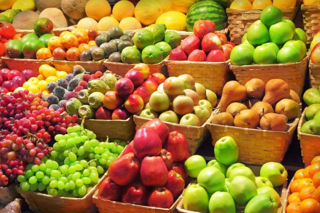 На Волині подешевшали фрукти