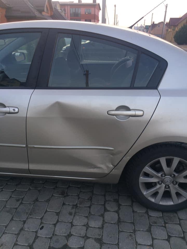Лучанину пошкодили машину, яка стояла на парковці