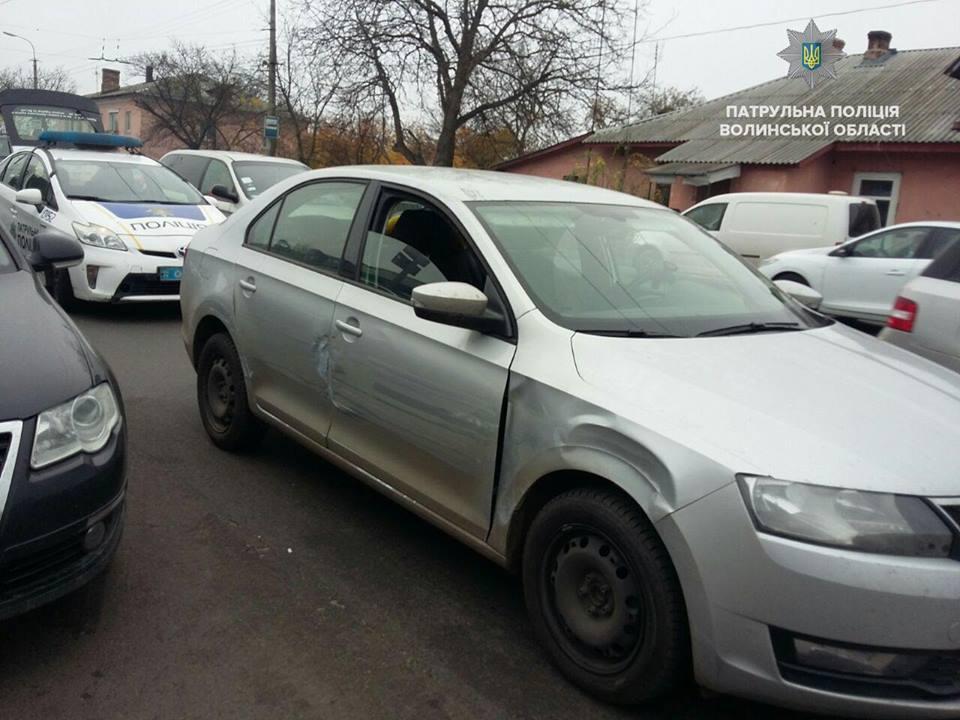 У Луцьку затримали нетверезого водія, який спричинив ДТП. ФОТО. ВІДЕО