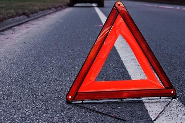 У Луцькому районі автомобіль збив пішохода
