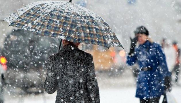 Сніг з дощем та до 10° морозу – в Україну йде зима