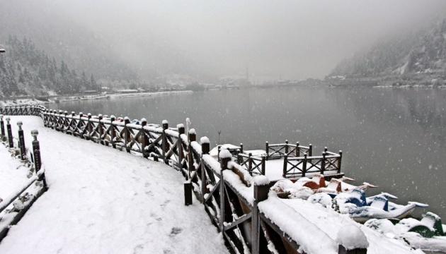 Схід Туреччини засипало снігом