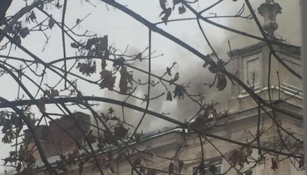 У Львові горить будівля обласної лікарні