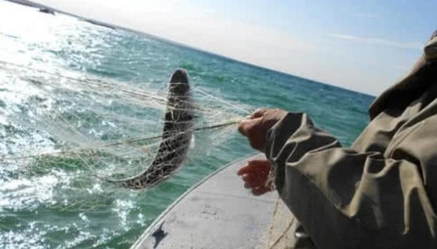 Рибалкам на Азові рекомендують повернутися в порти