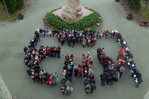 Студенти Лесиного вишу влаштували святковий флешмоб