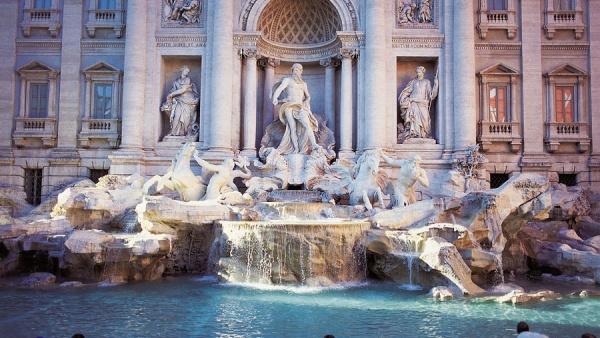 У Римі штрафуватимуть за вживання алкоголю на вулиці та купання у фонтанах