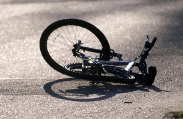 На Волині автомобіль збив велосипедиста