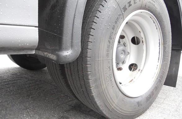 Лучанин потрапив під колеса авто
