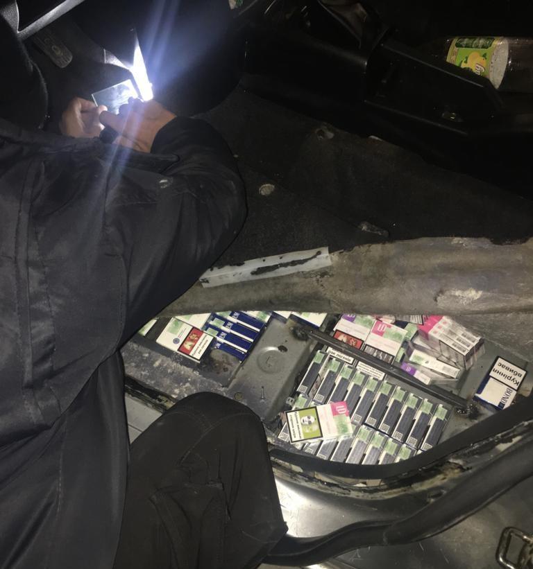 Волинські прикордонники виявили у газовому балоні контрабандні цигарки