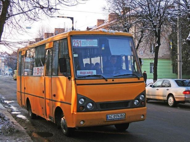 Приміській маршрутці заборонили їздити через центр Луцька