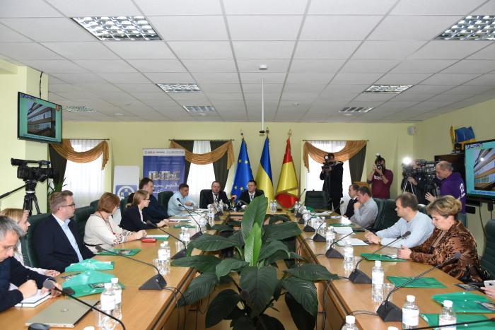 У Луцьку обговорюють впровадження енергоефективних заходів у громадах