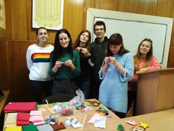 Студенти Лесиного вишу провели новорічний майстер-клас