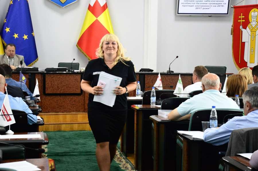 Муніципали купили у депутата Луцькради телевізор та планшет
