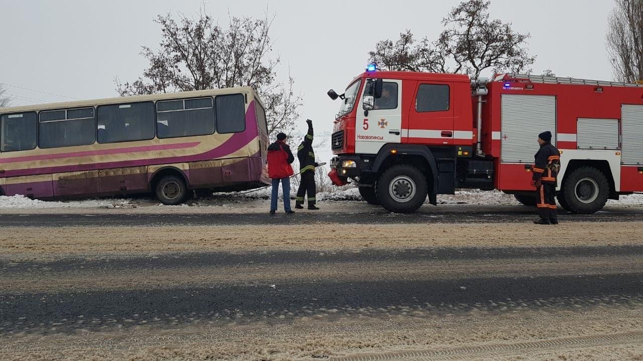 За минулу добу на Волині рятувальники вивільнили із заметів 20 автомобілів