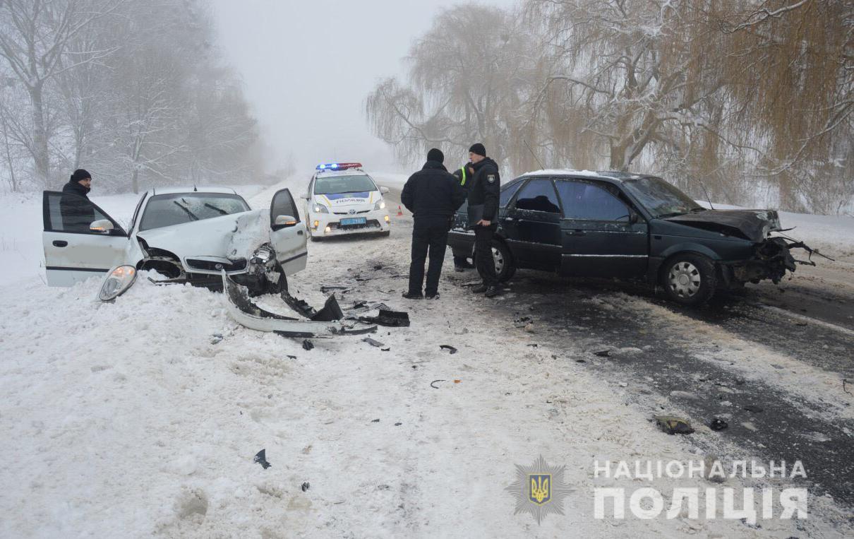 На Волині внаслідок зіткнення двох легковиків постраждало шестеро людей. ФОТО