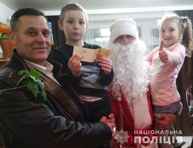 Сім'ї загиблих бійців «Світязя» отримали подарунки до Дня святого Миколая. ФОТО