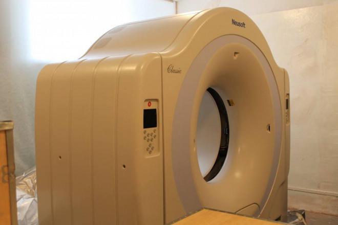 У Ратнівську районну лікарню завезли потужний томограф. ВІДЕО