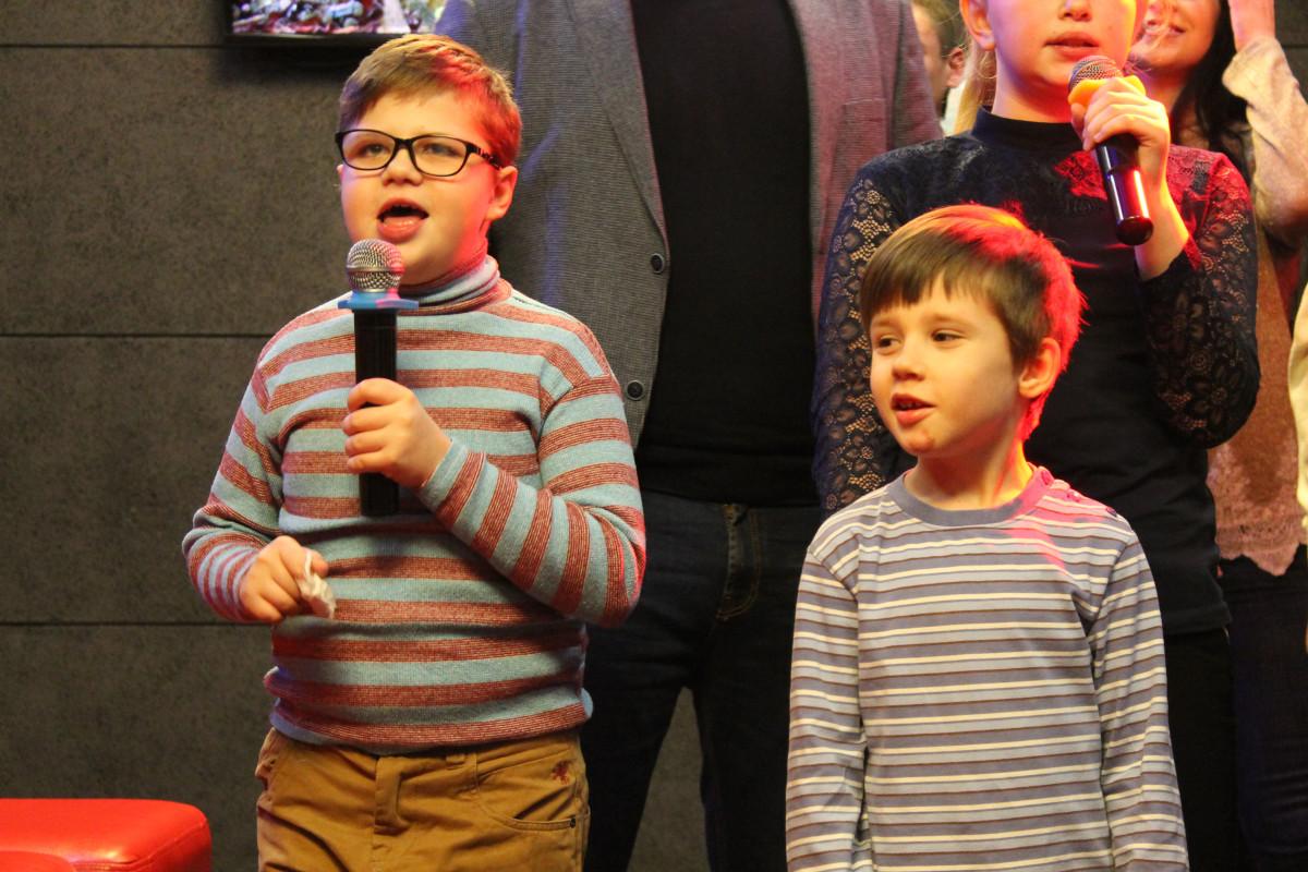 #Спілкуйся_нарівні: у Луцьку надзвичайні діти співали караоке. ФОТО