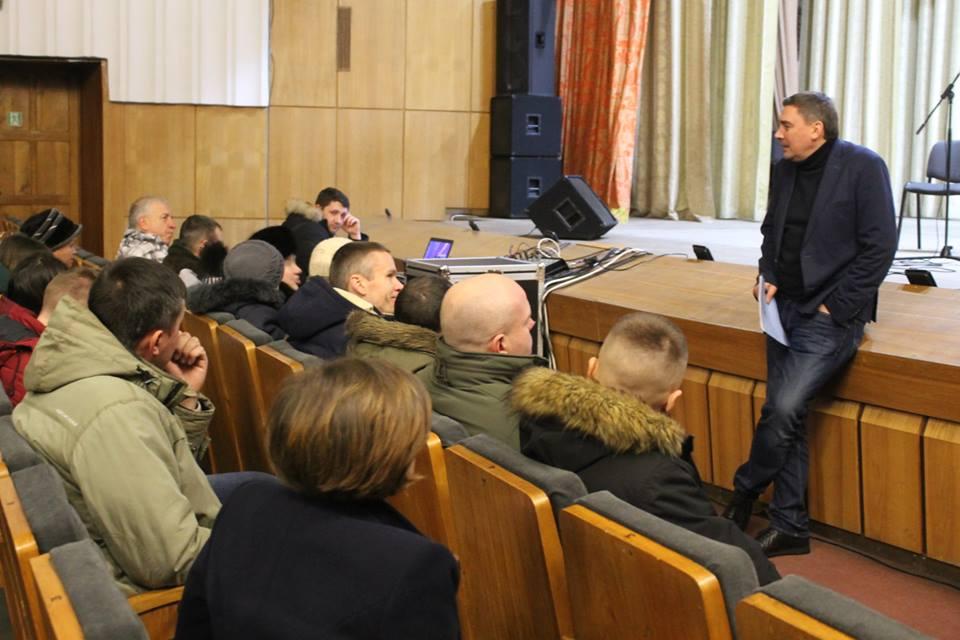 У грудні потенційні кандидати у президенти агітували за кандидатів в ОТГ на Волині