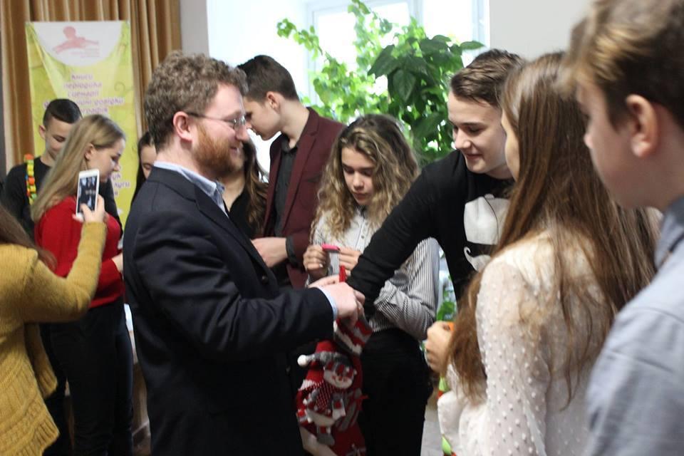 Луцьким школярам розповіли про Різдво в Німеччині. ФОТО