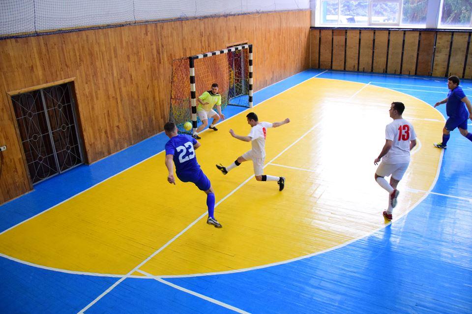 У Луцьку працівники суду зіграли в міні-футбол. ФОТО