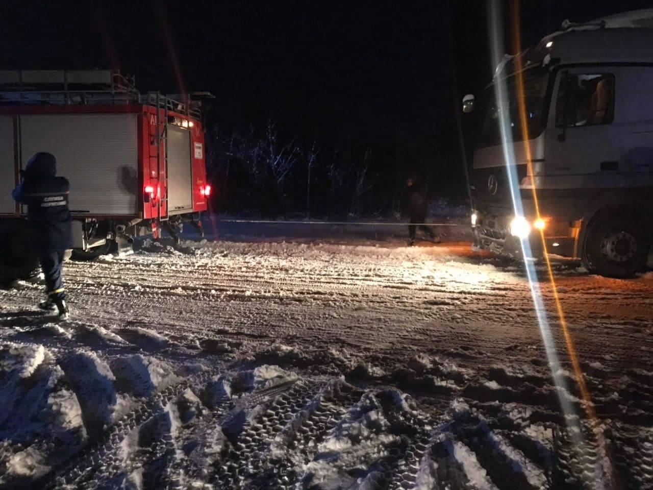 За минулу добу на Волині рятувальники вивільнили із заметів 30 автомобілів