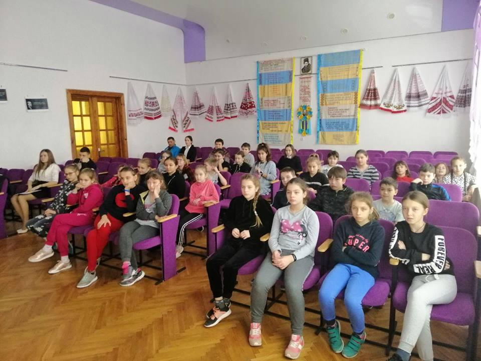 Волинські патрульні проводять зустрічі на тему булінгу в школах. ФОТО