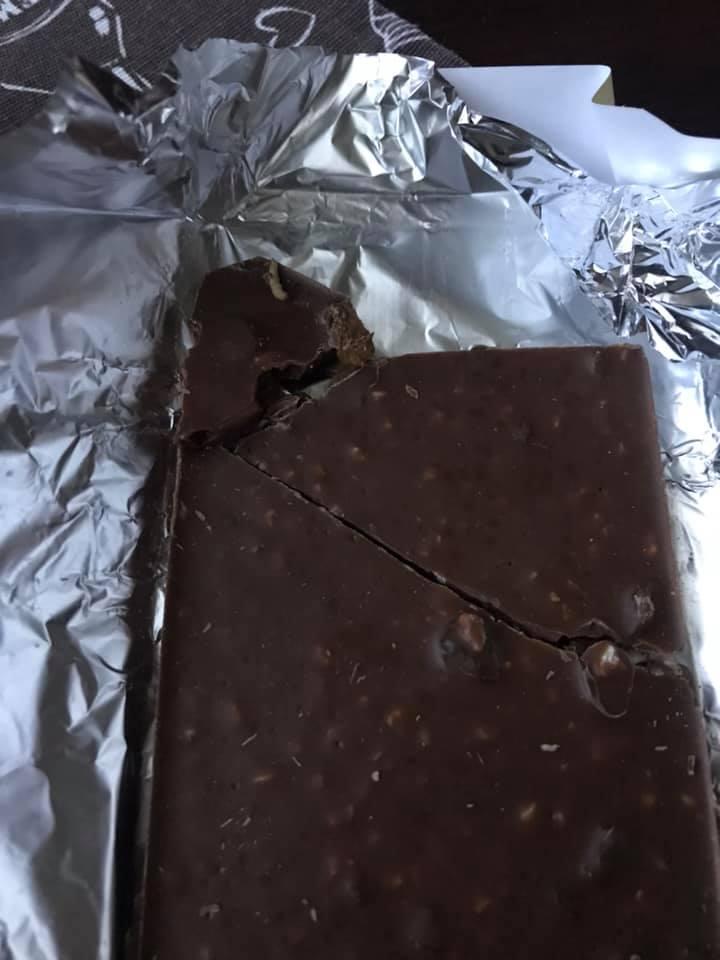 Волинянка купила шоколад з черв'яком