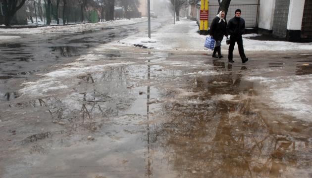 Мокрий сніг і дощі: в Україну йде потепління