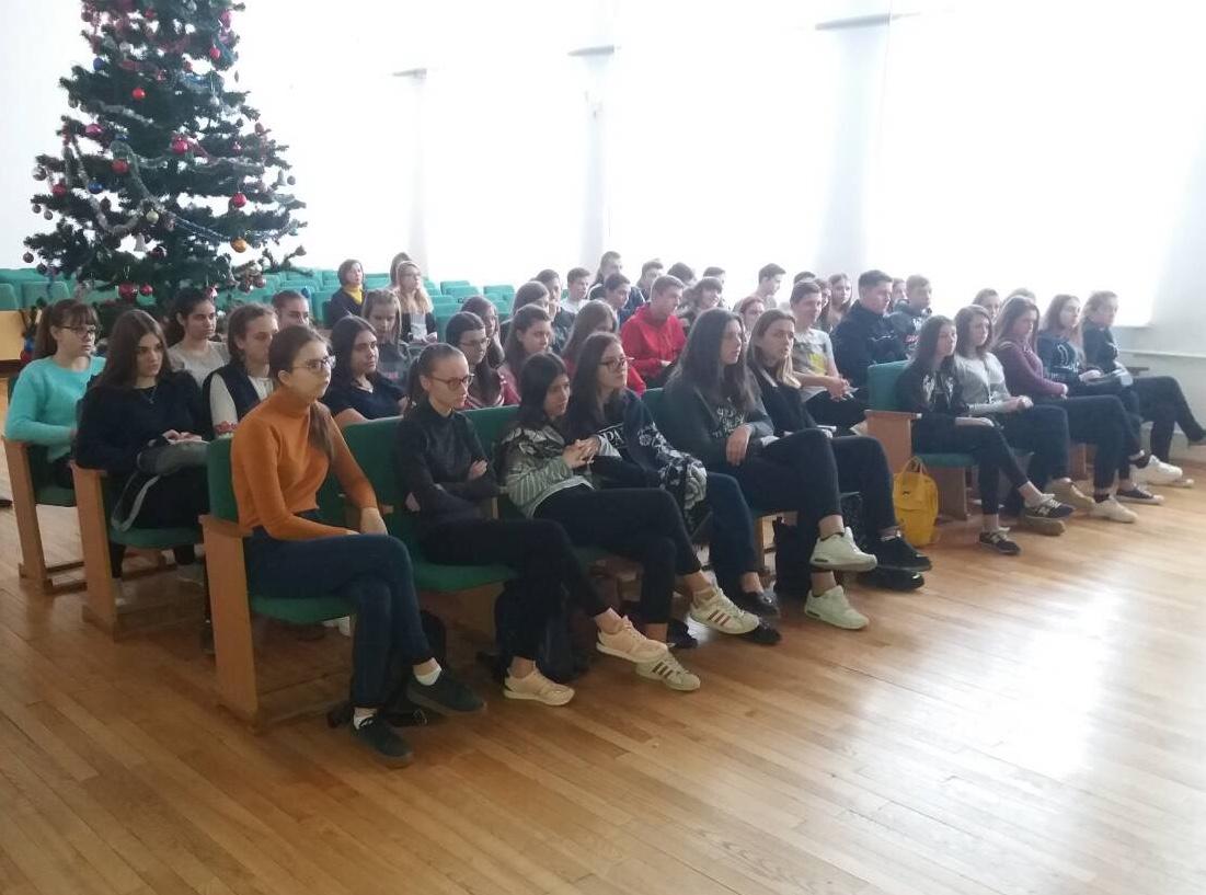 Прокурори у Нововолинську продовжують роз'яснювальну роботу серед підлітків. ФОТО