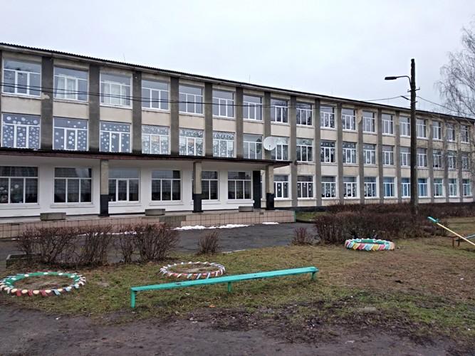 У школі на Волині встановили нові вікна