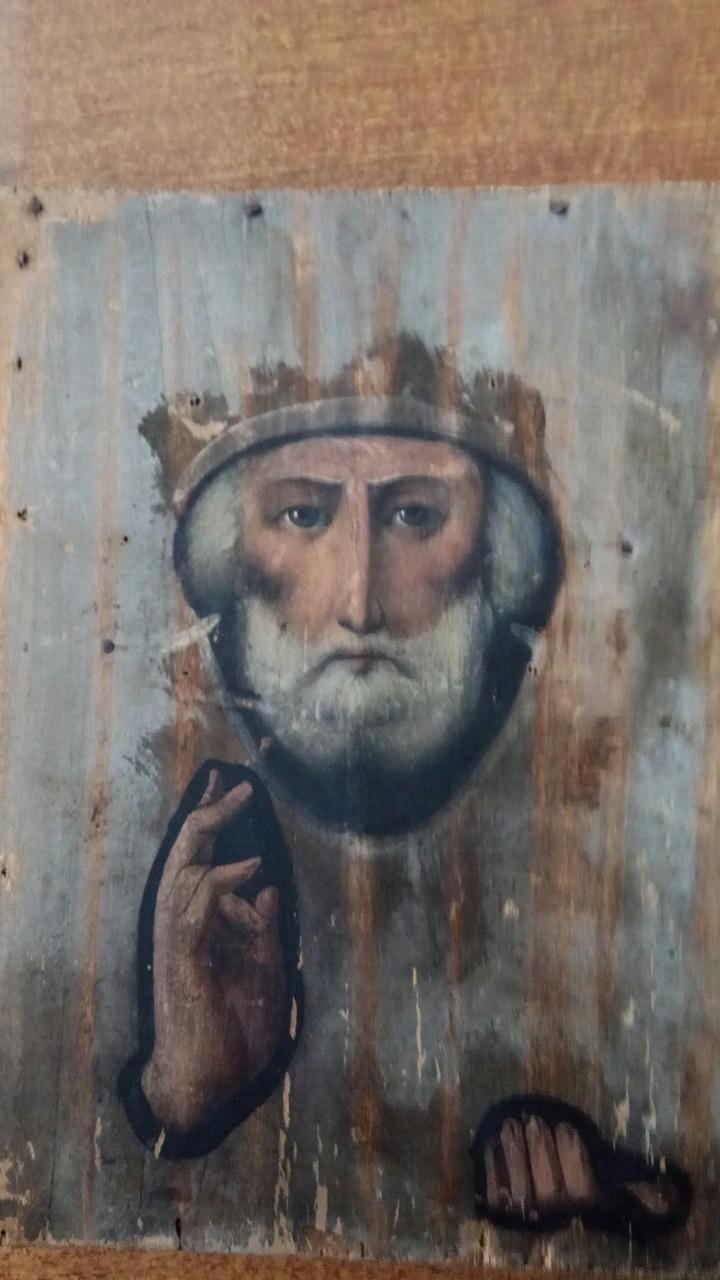 Через «Ягодин» чоловік хотів незаконно перевезти ікону святого Миколая