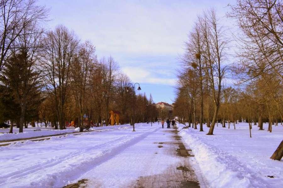 У Луцьку хочуть ремонтувати центральну алею парку за три мільйони гривень