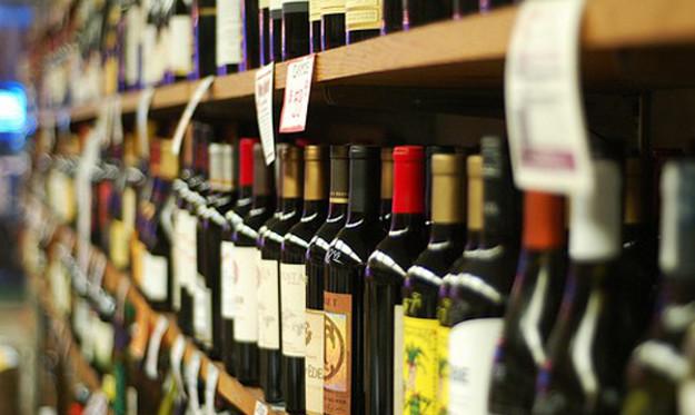 Роздрібна торгівля алкоголем і цигарками збагатила місцеві бюджети Волині на понад 14 мільйонів гривень