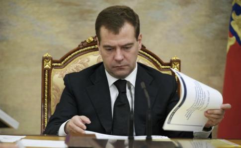 Росія «поглинає» Білорусь: Медведєв створив робочу групу