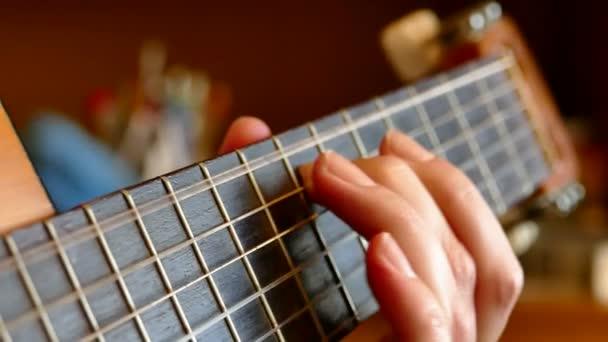У Луцьку запрошують на «магію двох гітар»