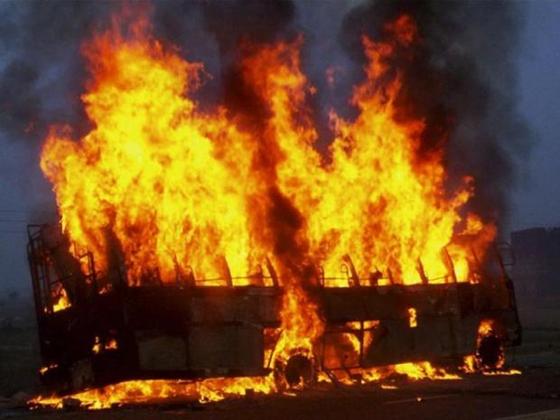 На Волині під час руху загорівся автобус, який прямував до Варшави. ВІДЕО
