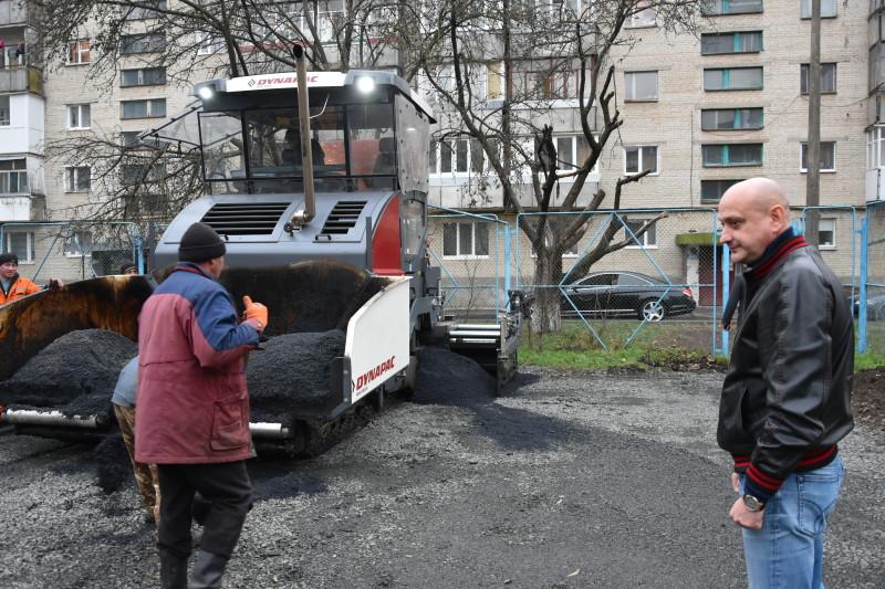 У Луцьку облаштують перший спортивний майданчик із поліуретановим покриттям. ФОТО