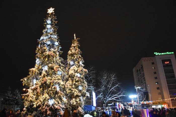 У Луцькраді витратили майже 160 тисяч гривень на святкову ілюмінацію