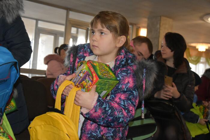 У Луцьку діти із родин учасників АТО отримали подарунки напередодні свят. ФОТО