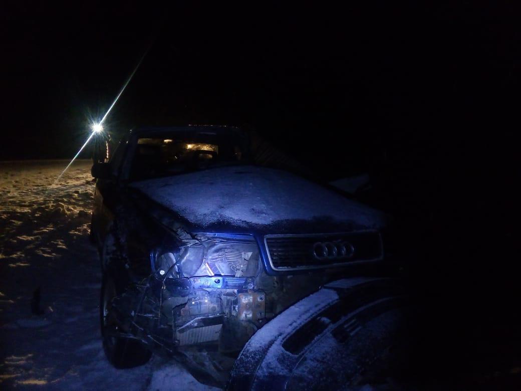 На Волині рятувальники вивільнили водія з автівки, понівеченої у ДТП