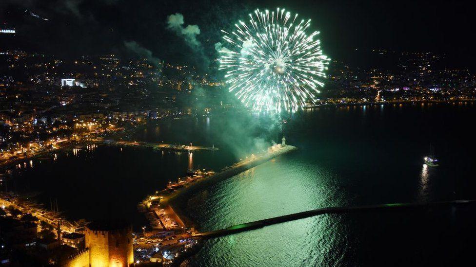 Як святкували Новий рік у різних куточках світу. ФОТО