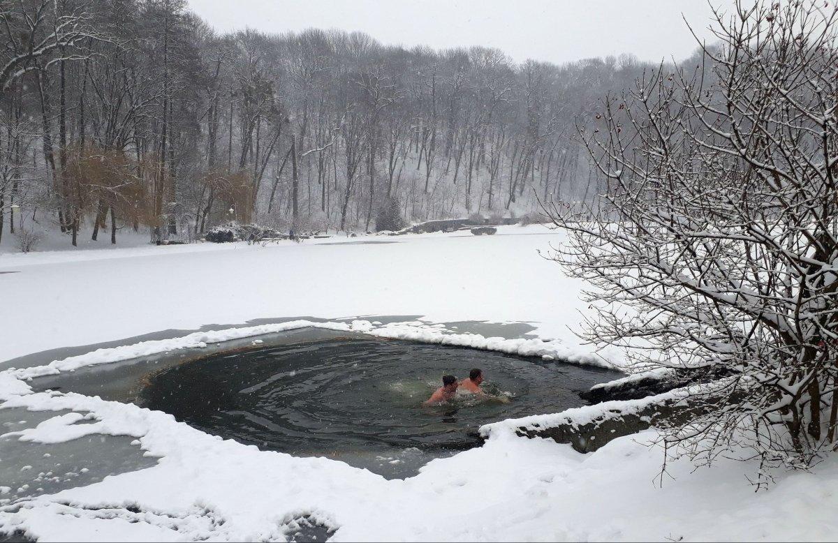 На Водохреща на водоймах Волині чергуватимуть понад півсотні рятувальників