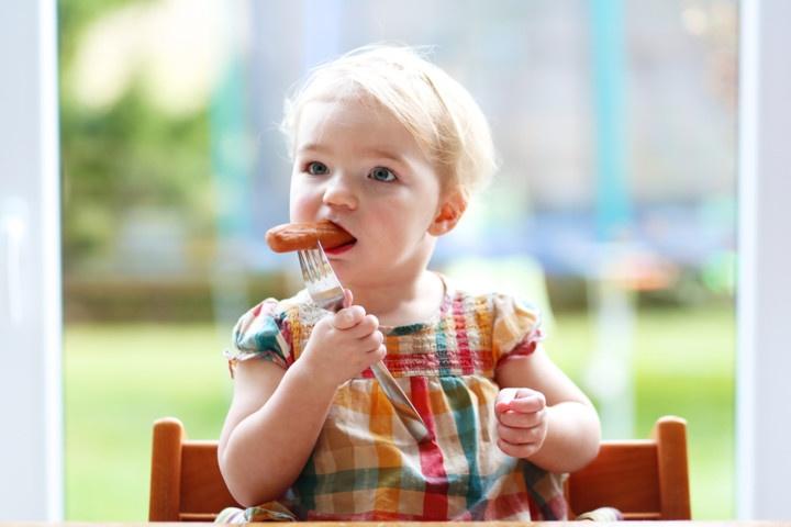 3,387 мільйона гривень витратять на сосиски та ковбасу для луцьких дошкільнят та дитячого табору