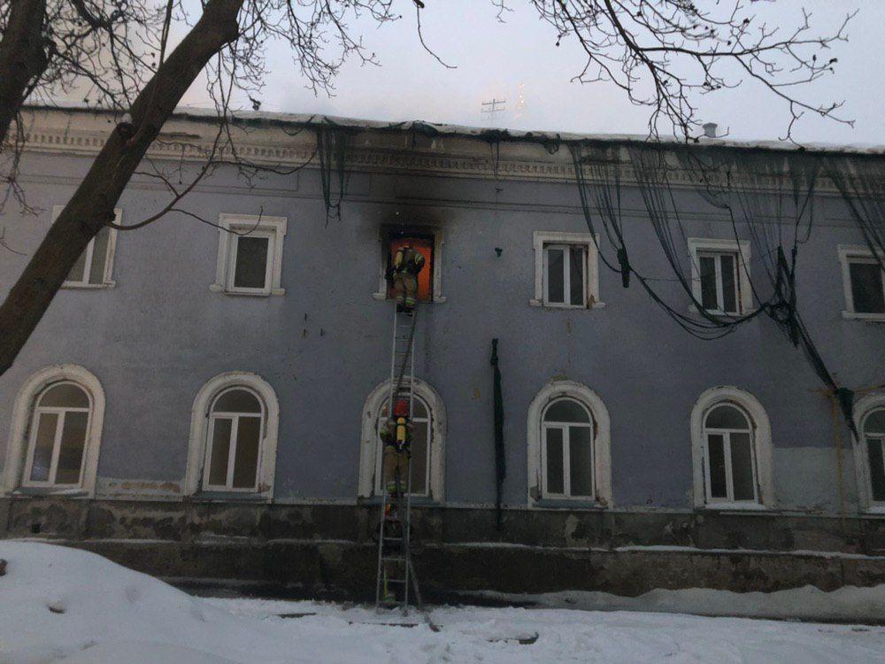 Пожежники загасили вогонь у Києво-Печерській Лаврі. ФОТО. ВІДЕО