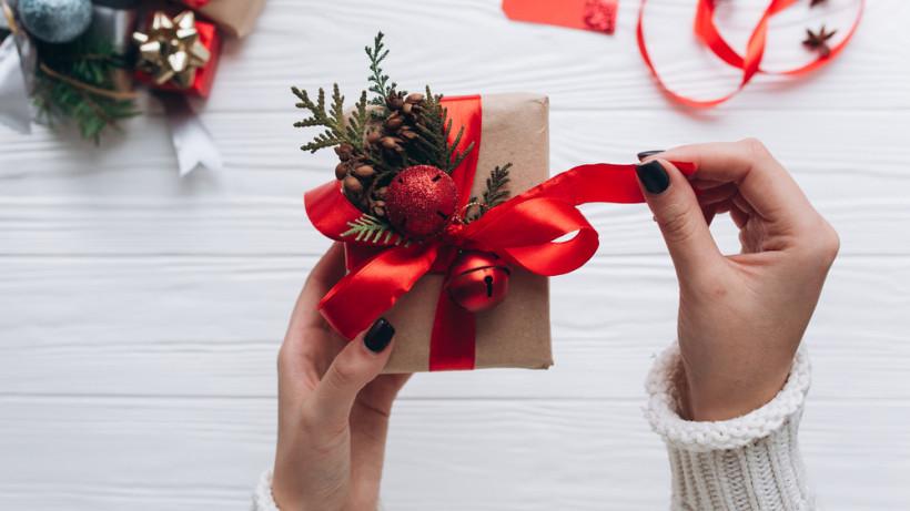Розповіли, представництва яких партій на Волині найактивніше роздавали новорічні подарунки та привітання