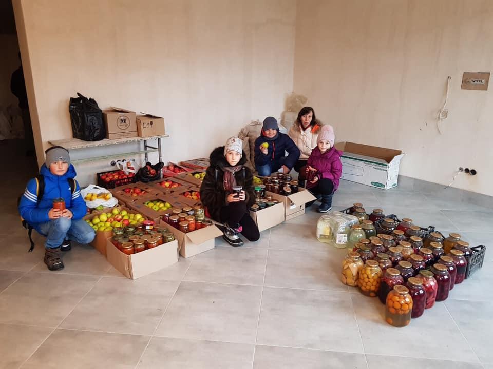 Волинським військовим відправлять смачні подарунки