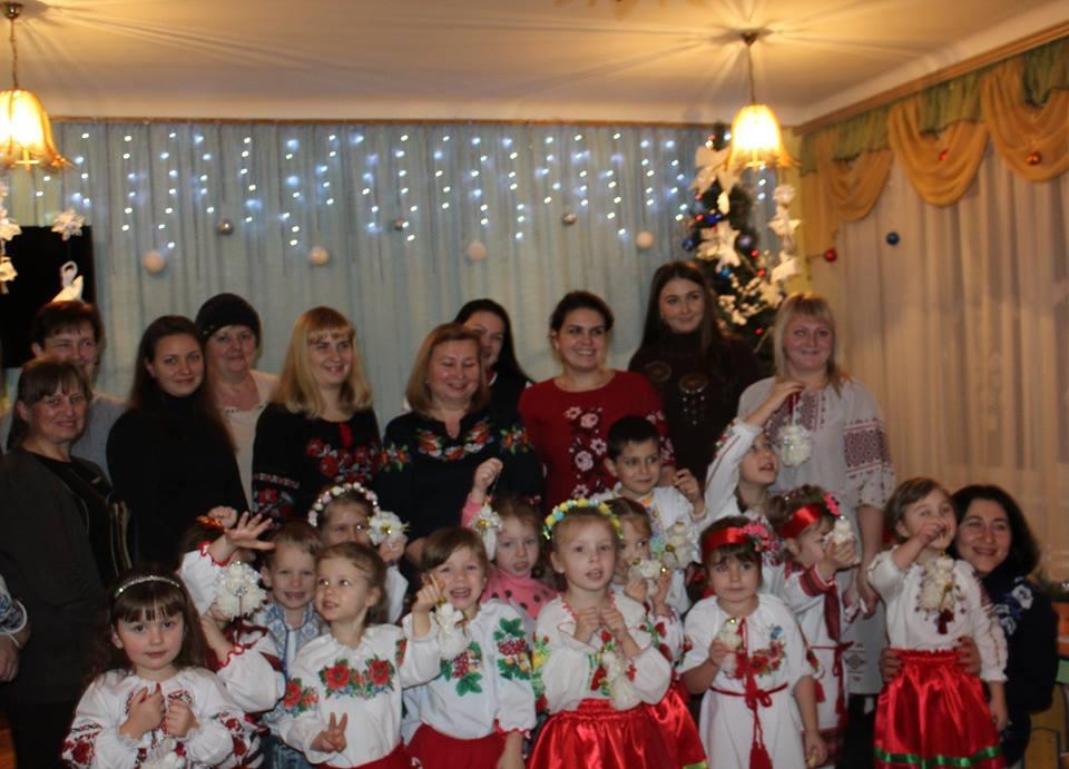 У Луцьку діти виготовляли різдвяних ангеликів. ФОТО
